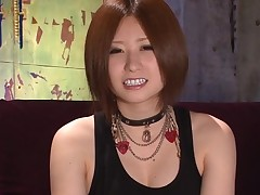 Wet cunnilingus for sexy Oriental darling in nylons